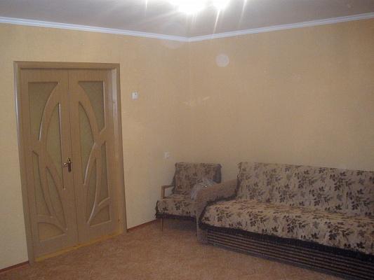 2-комнатная квартира посуточно в Мелитополе. ул. Гагарина, 1. Фото 1