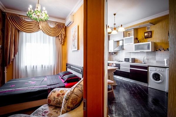 2-комнатная квартира посуточно в Одессе. Приморский район, ул. Жуковского, 16. Фото 1