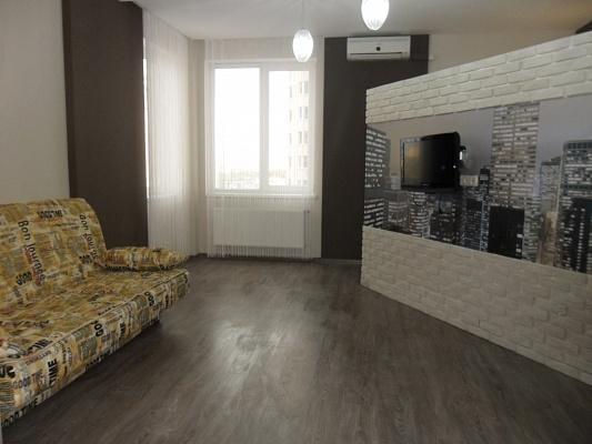 2-комнатная квартира посуточно в Одессе. Приморский район, ул. Среднефонтанская, 19\а. Фото 1
