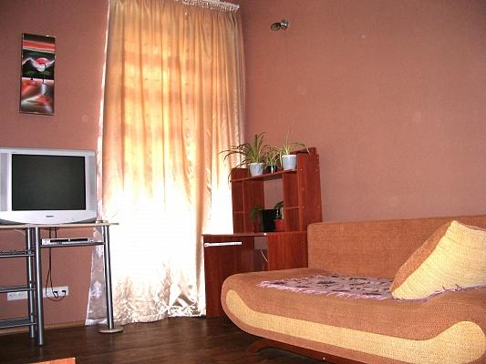 1-комнатная квартира посуточно в Одессе. Приморский район, пл. Толстого, 32. Фото 1
