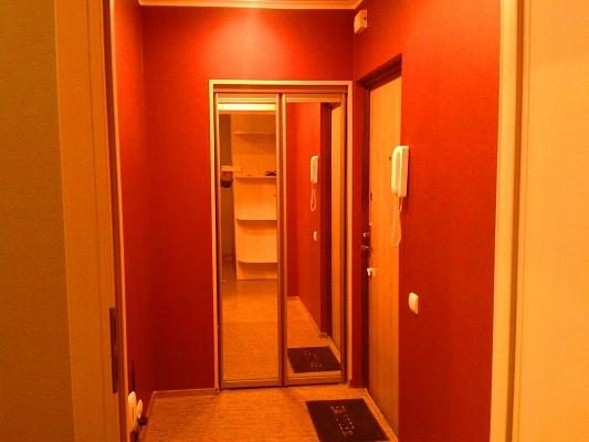 1-комнатная квартира посуточно в Харькове. Московский район, ул. Героев Труда, 15Б. Фото 1