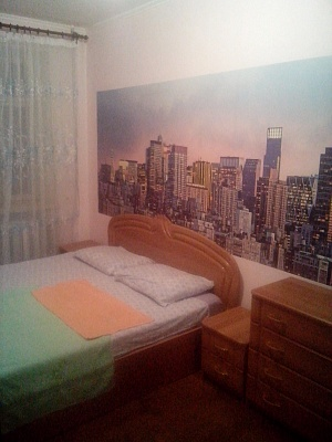 2-комнатная квартира посуточно в Житомире. ул. Леси Украинки, 38. Фото 1