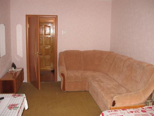 1-комнатная квартира посуточно в Ивано-Франковске. ул. Миколайчука, 16. Фото 1