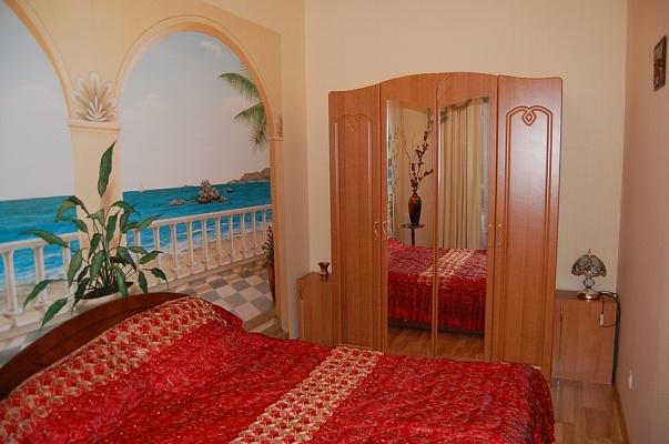 2-комнатная квартира посуточно в Одессе. Приморский район, ул. Маразлиевская, 38. Фото 1