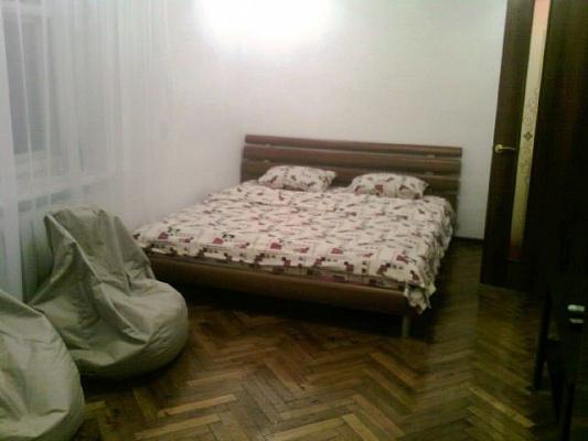 1-комнатная квартира посуточно в Киеве. Печерский район, Печерский спуск, 17. Фото 1