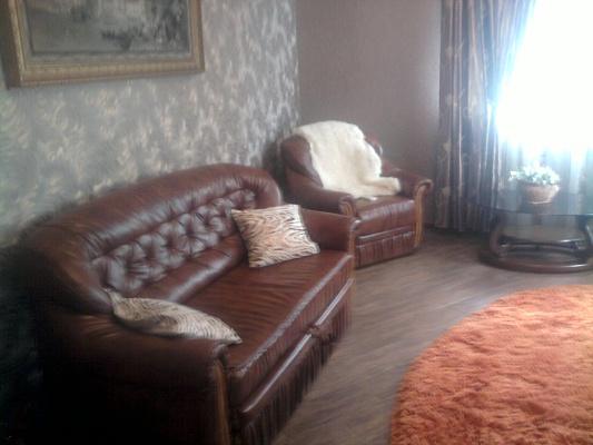3-комнатная квартира посуточно в Алуште. ул. В.Хромых, 27. Фото 1