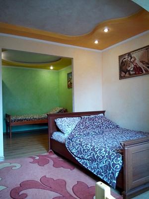 1-комнатная квартира посуточно в Умани. ул. Пушкина, 21. Фото 1