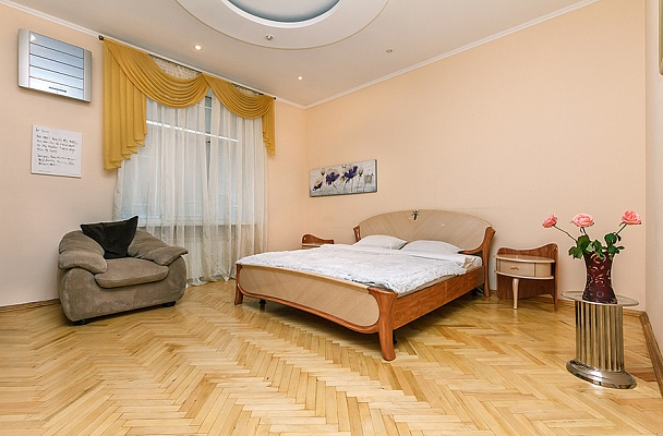 2-комнатная квартира посуточно в Харькове. Киевский район, лермонтовская, 20. Фото 1