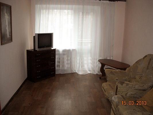 1-комнатная квартира посуточно в Горловке. ул. Кирова, 6. Фото 1
