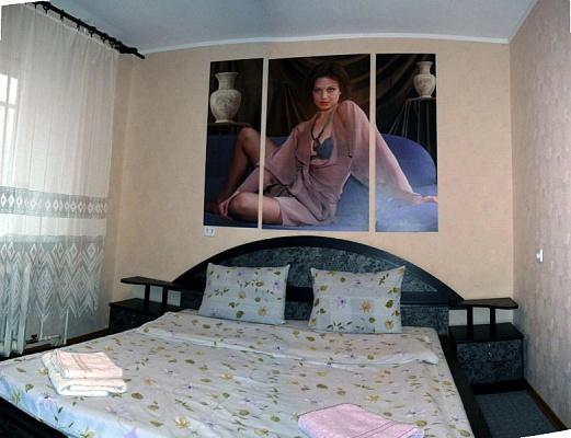 4-комнатная квартира посуточно в Киеве. Соломенский район, пр. Победы, 39. Фото 1