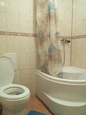 1-комнатная квартира посуточно в Бердянске. ул. Первомайская, 36. Фото 1