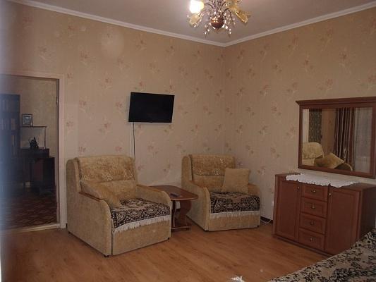 2-комнатная квартира посуточно в Одессе. Приморский район, пер. Канатный, 6. Фото 1