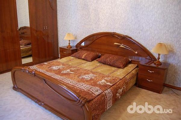 2-комнатная квартира посуточно в Одессе. Приморский район, ул. Жуковского, 5. Фото 1