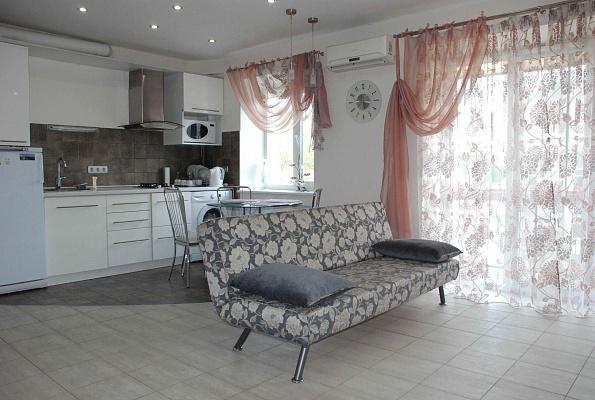 1-комнатная квартира посуточно в Одессе. Приморский район, ул. Ришельевская, 78. Фото 1