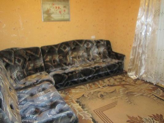 1-комнатная квартира посуточно в Артемовске. ул. Ковальская (Красноармейская), 42. Фото 1