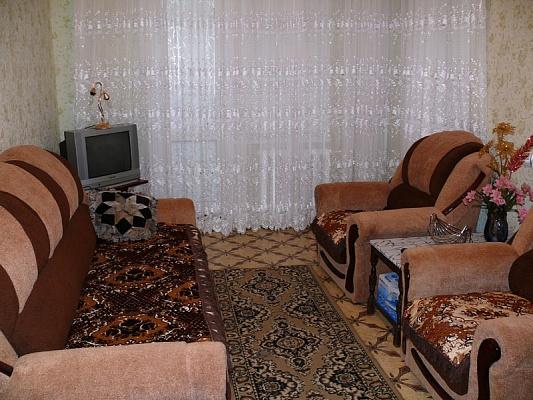 1-комнатная квартира посуточно в Херсоне. Днепровский район, ул. Комкова, 92а. Фото 1