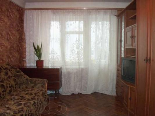 1-комнатная квартира посуточно в Киеве. Подольский район, ул. Маршала Гречко, 12. Фото 1