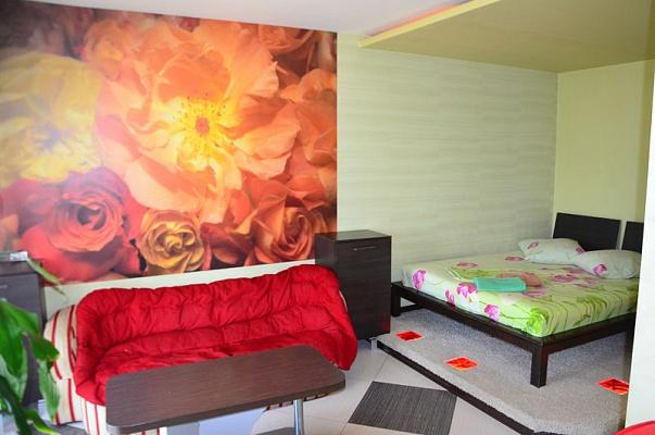 1-комнатная квартира посуточно в Херсоне. Днепровский район, пл. Свободы, 1. Фото 1