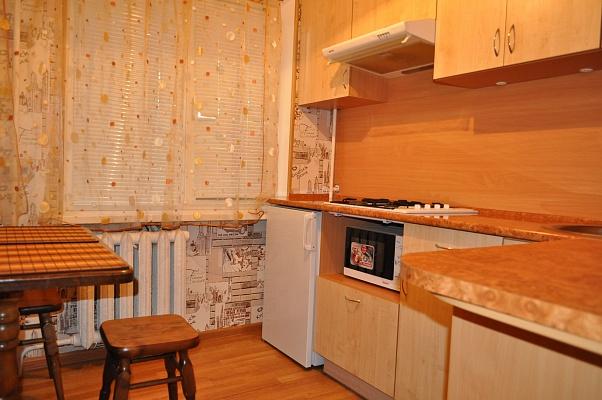 1-комнатная квартира посуточно в Кременчуге. ул. Халаменюка, 4. Фото 1