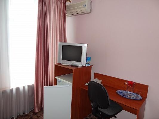 Мини-отель  посуточно в Сумах. Заречный район, пл. Независимости, 15. Фото 1