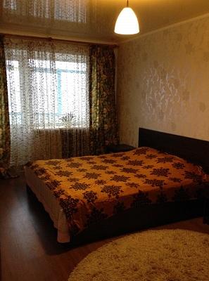 2-комнатная квартира посуточно в Чернигове. Новозаводской район, пр-т Победы , 43. Фото 1
