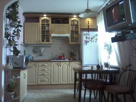 2-комнатная квартира посуточно в Харькове. Фрунзенский район, Стадионный проезд, 8. Фото 1