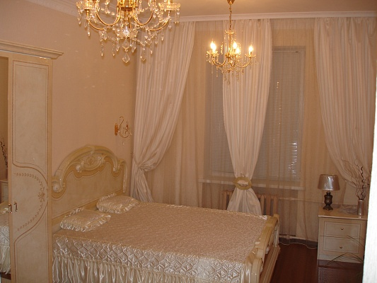 2-комнатная квартира посуточно в Днепропетровске. Кировский район, б-р Европейский , 1. Фото 1