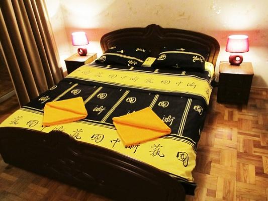 3-комнатная квартира посуточно в Киеве. Голосеевский район, ул. Красноармейская, 112. Фото 1