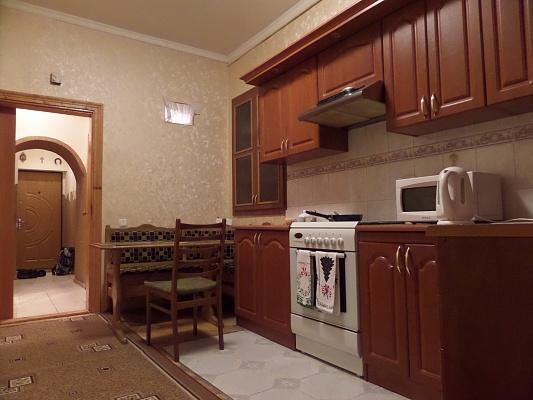 2-комнатная квартира посуточно в Львове. Галицкий район, ул. Русская, 3. Фото 1