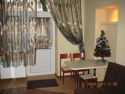 2-комнатная квартира посуточно в Львове. Галицкий район, пр-т Шевченко, 34. Фото 1