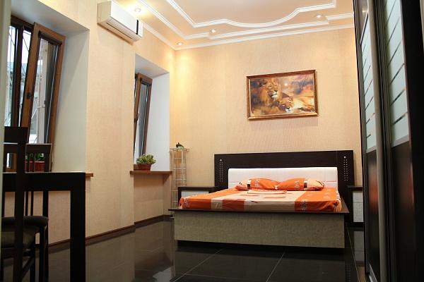 1-комнатная квартира посуточно в Одессе. Приморский район, пл. Екатерининская, 5. Фото 1