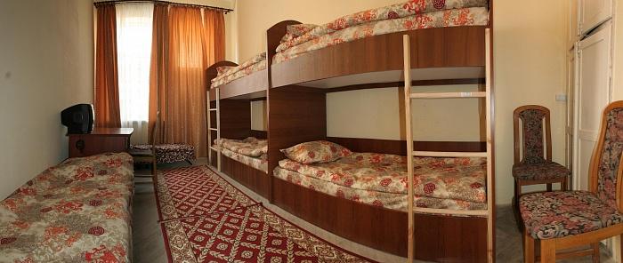 Мини-отель  посуточно в Львове. Галицкий район, ул. Лукьяновича, 3. Фото 1