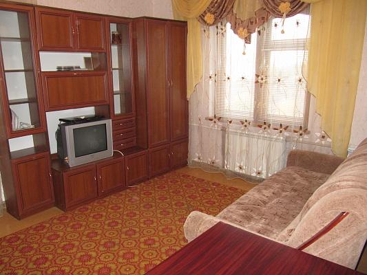 1-комнатная квартира посуточно в Сумах. Заречный район, пр-т Лушпы, 7. Фото 1