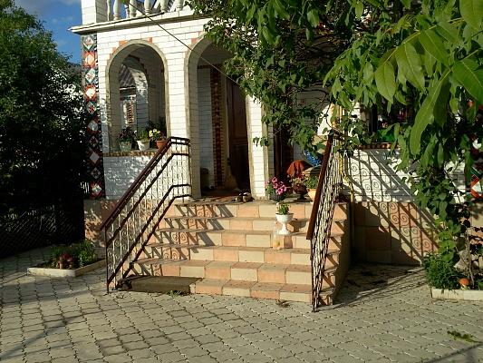Дом  посуточно в Каменце-Подольском. ул. Ляпидевского, 6. Фото 1