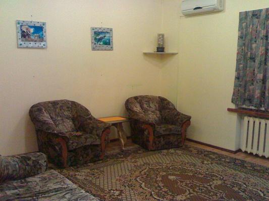 2-комнатная квартира посуточно в Кировограде. Ленинский район, ул. Гоголя, 106. Фото 1