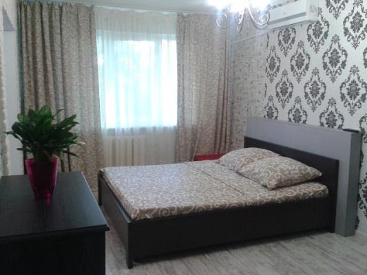 1-комнатная квартира посуточно в Чернигове. Новозаводской район, ул. Пирогова, 2. Фото 1