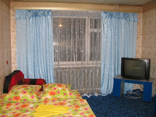 1-комнатная квартира посуточно в Луцке. ул. Конякина, 37. Фото 1