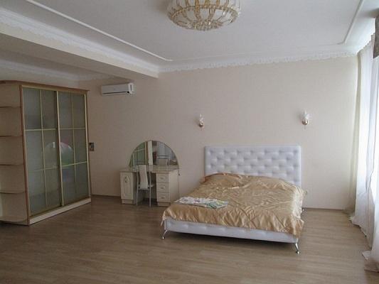 Дом  посуточно в Алуште. ул. Судакская, 17. Фото 1