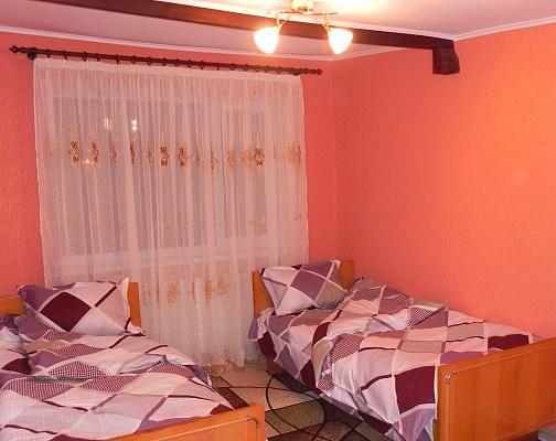 1-комнатная квартира посуточно в Хмельницком. пер. Гвардейский, 5. Фото 1