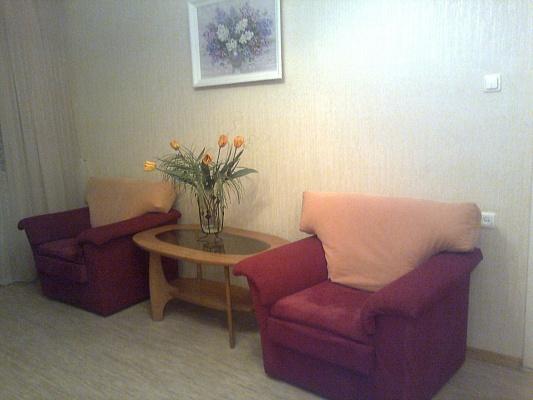 1-комнатная квартира посуточно в Ильичёвске. Пригород район, ул. 1 Мая, 2. Фото 1