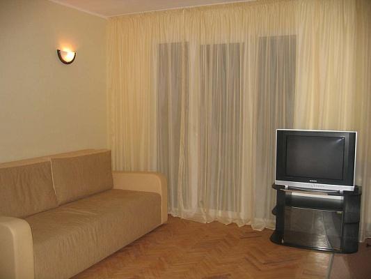 1-комнатная квартира посуточно в Харькове. Дзержинский район, ул. Отакара Яроша, 9. Фото 1