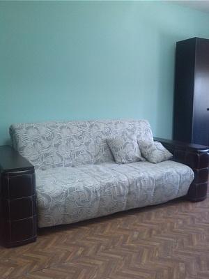 2-комнатная квартира посуточно в Симферополе. Центральный район, ул. Одесская, 9. Фото 1