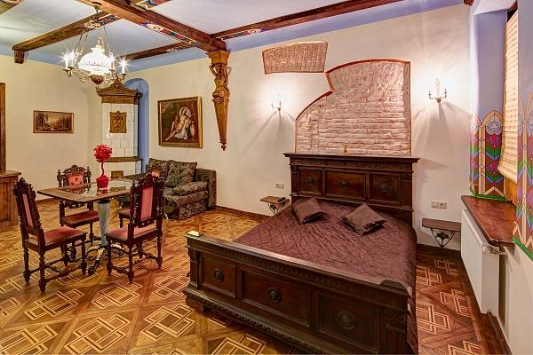 2-комнатная квартира посуточно в Львове. Галицкий район, ул. Леси Украинки, 19. Фото 1