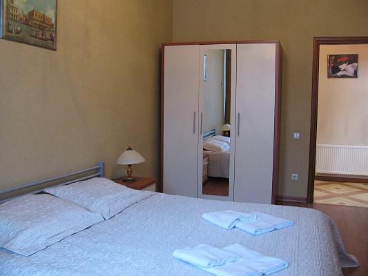 3-комнатная квартира посуточно в Одессе. Приморский район, ул. Екатериненская, 18. Фото 1