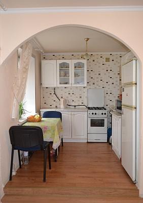 3-комнатная квартира посуточно в Северодонецке. ул. Федоренко, 43. Фото 1