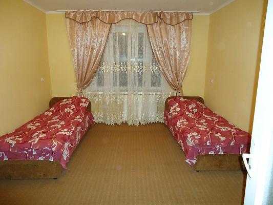 2-комнатная квартира посуточно в Берегово. ул. Мукачевская, 48-а. Фото 1