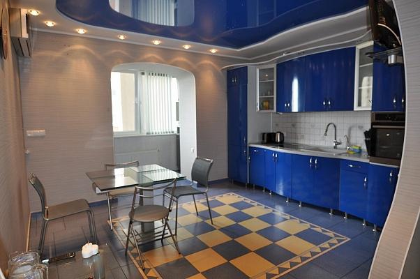 3-комнатная квартира посуточно в Одессе. Киевский район, ул. Ивана Франко, 51. Фото 1