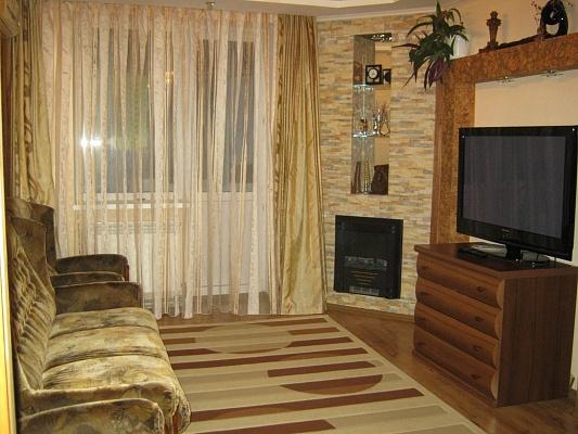 2-комнатная квартира посуточно в Евпатории. ул. Чапаева, 81. Фото 1