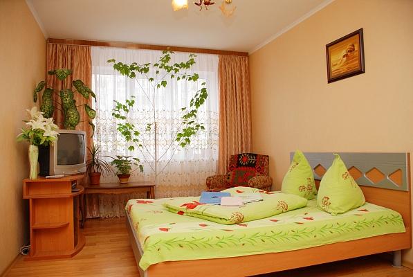 1-комнатная квартира посуточно в Киеве. Соломенский район, ул. Урицкого, 32. Фото 1