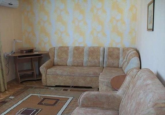 1-комнатная квартира посуточно в Севастополе. Гагаринский район, Юмашева, 15. Фото 1